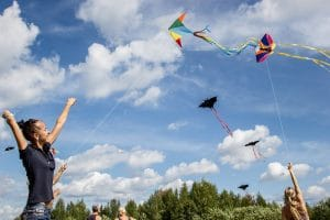עפיפונים- או האם צריך ללמד ילד להיפרד?